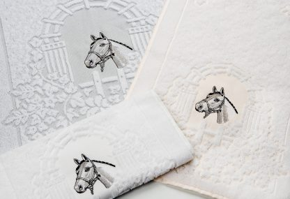 Handtuch Egart mit Stick Pferdekopf Geschenke Souvenir Herka-Frottier Bad Frottee cotton terry towel souvenir Made in Austria